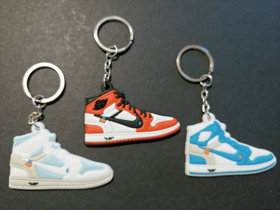 103aaacab658 Off-White OFF-WHITE NIKE AIR JORDAN 1 All 3 colorways mini keychains Size