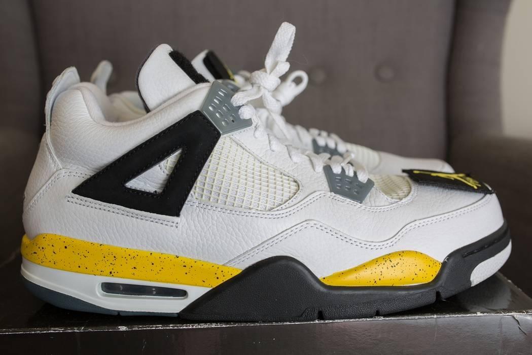 7c7d3aee4ae5 Jordan Brand Air Jordan 4 IV Retro LS White Tour Yellow Black Size US 13