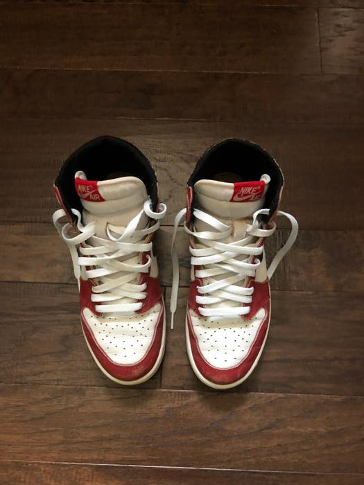 e2b1fc6b079 Jordan Brand 1985 Nike Air Jordan 1 Chicago OG Size 8 - Hi-Top ...