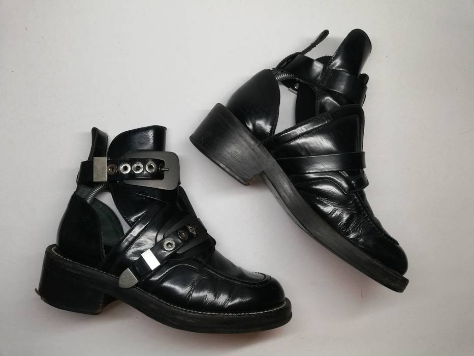 Balenciaga Ceinture Cut Out Boot (fits 8US-9US) Size 8 - Boots for ... cb70012c63c