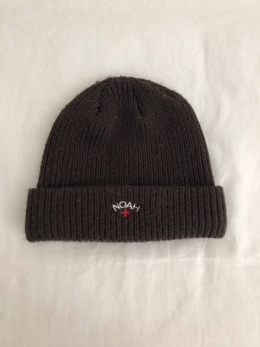 Noah Core Logo Beanie in Brown Size one size - Hats for Sale - Grailed 6f0aba76337