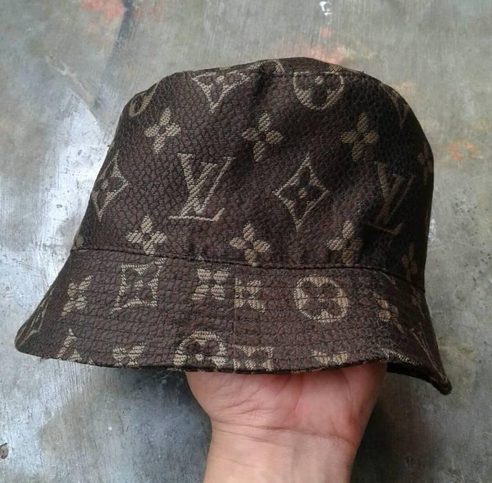 Louis Vuitton Vintage Louis Vuitton Bucket Hat Monogram Size one ... 6e4bf0eb77a