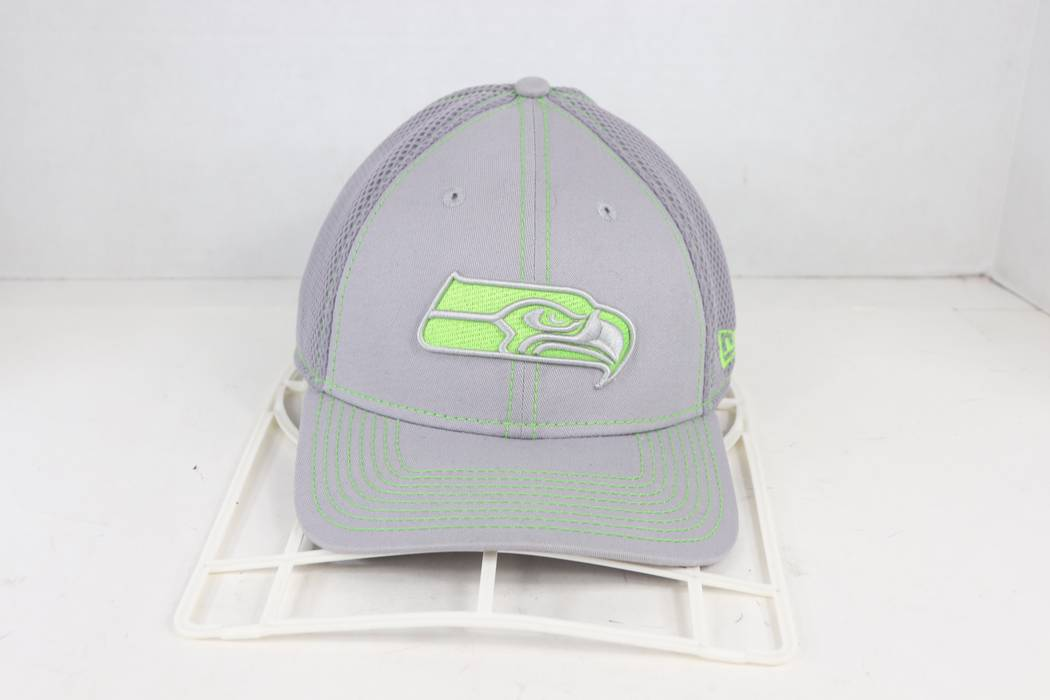 42a38b360ac New Era. New Era Seattle Seahawks Classic Logo NFL Stretch Fitted Hat  Large XL Gray