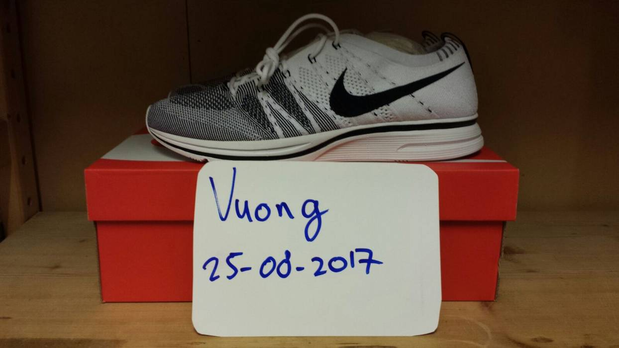 acd37bde2f73 Nike Nike Flyknit Trainer White   Black (2017) Size 10 - Low-Top ...