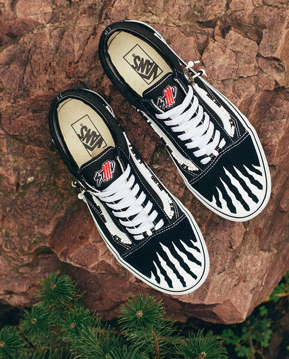 Vans WHITE TRACE STLLLV x VANS Old Skool Low Custom by Myroslav Fareniuk  Size US 8 aa2b02a8d
