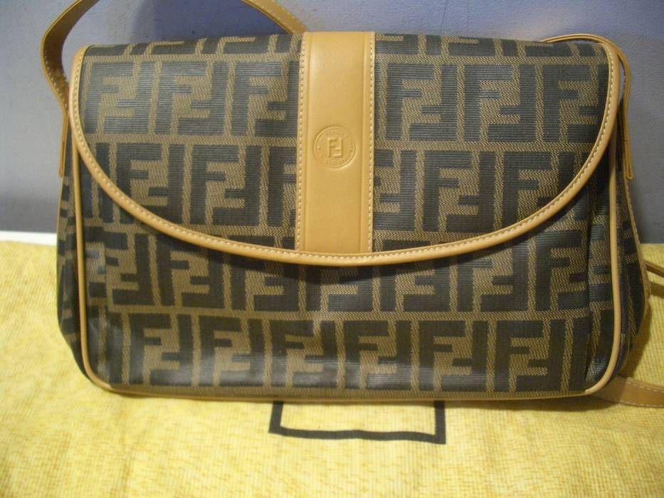 83007790a061 Fendi Fendi Side Bag Size one size - Bags   Luggage for Sale - Grailed
