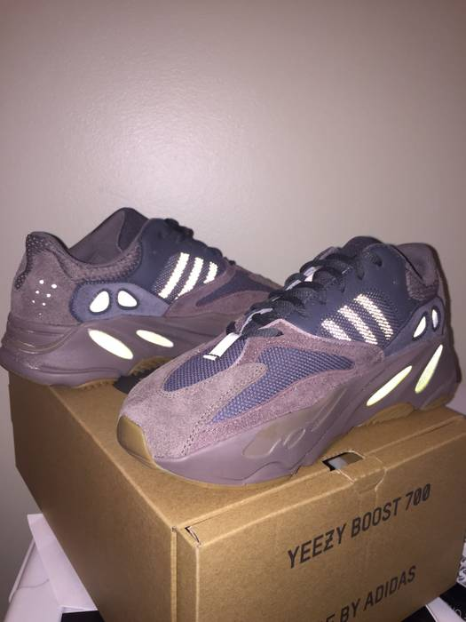 7c87b5a58 Adidas Kanye West Yeezy 700 Mauve Size 8.5 - Boots for Sale - Grailed