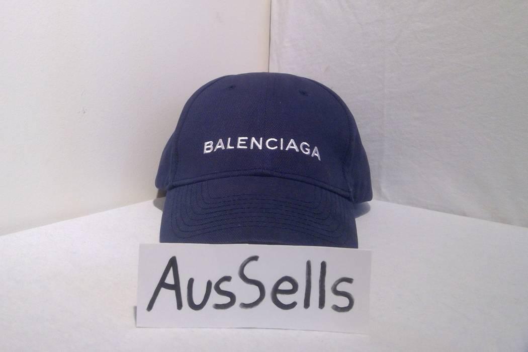 66910383e6a6a Balenciaga Classic baseball cap with Balenciaga embroidered logo size L 59 Size  ONE SIZE