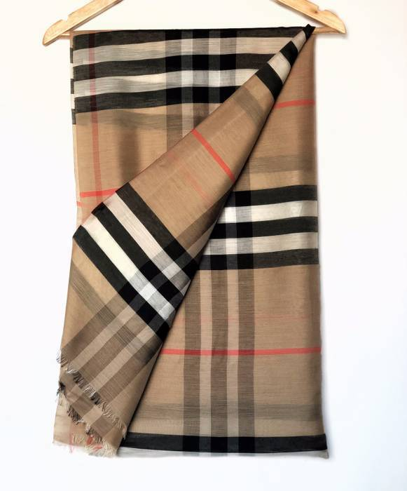 Vintage BURBERRY Lightweight Check Wool and Silk Scarf Size one size ... acce4628d2