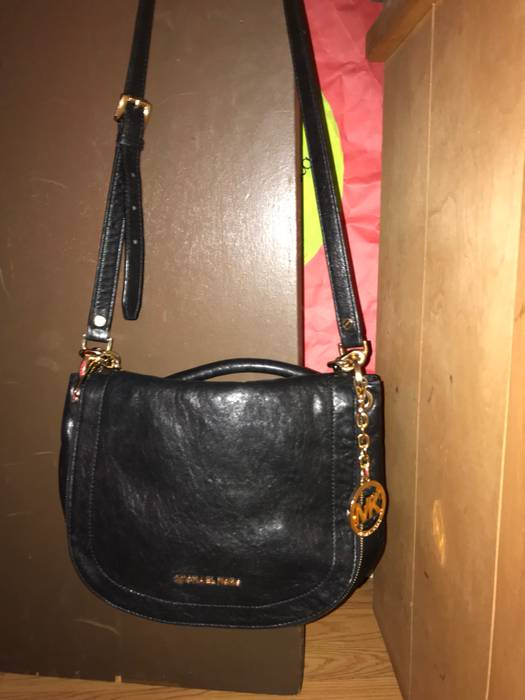 53575ba70790 Michael Kors Michael Kors Should Bag Size one size - Bags   Luggage ...