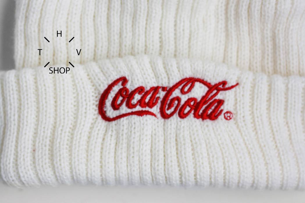 Coca Cola Coke beanie knit hat cap pom winter outdoor white red vintage  retro one size 813355e943b2
