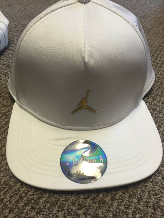5d2a08bc1cb Octobers Very Own OVO x Jordan Snapback Size one size - Hats for ...