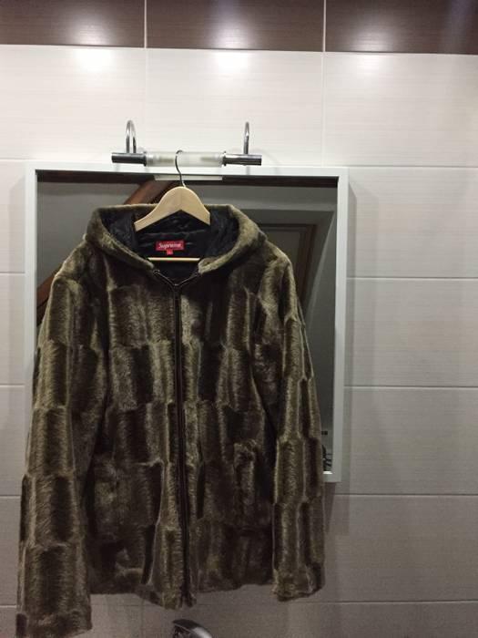 6adf524e05e7 Supreme Supreme Faux Fur Hooded Zip Jacket Size l - Heavy Coats for ...