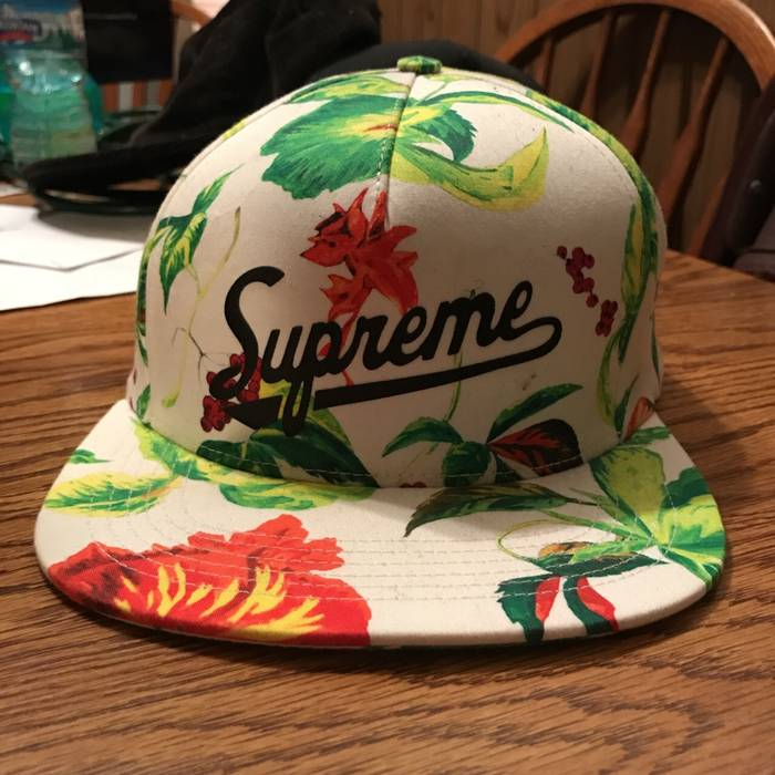 Supreme Supreme Floral Snapback White Size one size - Hats for Sale ... 3919e4dcf40