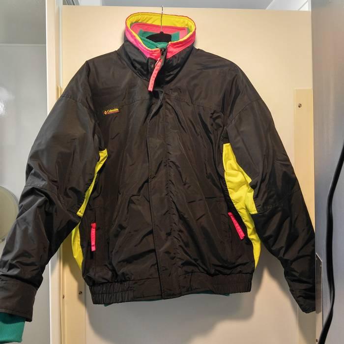 6d510783a5 Vintage Bugaboo ski jacket in neon pink