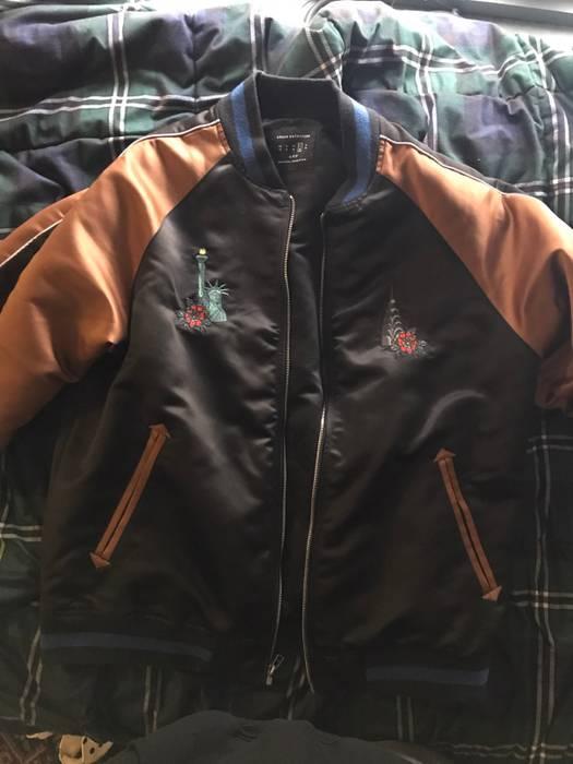Urban Outfitters New York City 5 Boroughs Souvenir Jacket UFO Size l ... 3dd1ea84e