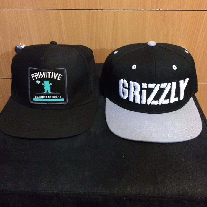 Starter Lot Of 2 Snapbacks Primitive Grizzly Grip tape Diamond Supply Co  Snapbacks Like New Skateboard 9873c64f385