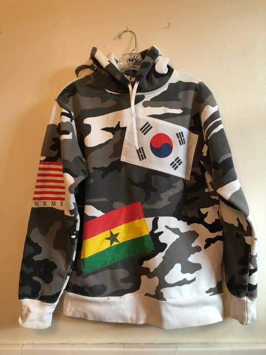 f8a240d8631b Supreme FW13 Snow Camo Flag Hoodie Size m - Sweatshirts   Hoodies ...