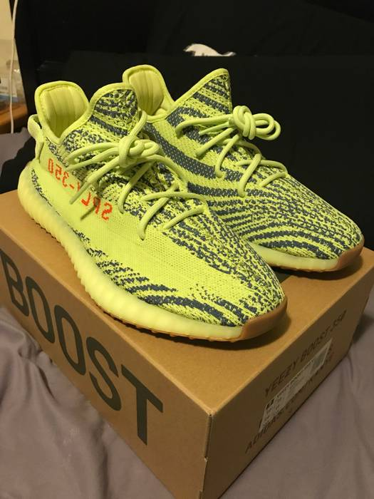 3688fa1a5aa8e Adidas Kanye West Yeezy boost V2 350 Frozen Yellow Size US 10.5   EU 43-
