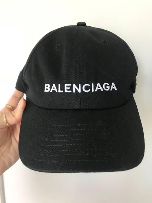 Balenciaga Balenciaga Embroidered Cotton Baseball Cap Size one size ... 327afe27c41