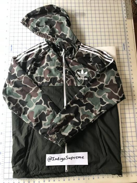 5407cd879f8e0 Adidas Adidas Duck Camo Windbreaker Size l - Light Jackets for Sale ...