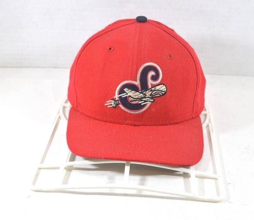 Vintage Vintage 90s New Era Syracuse Sky Chiefs Minor League Baseball  Snapback Hat Red Size ONE 2cadea9cd95