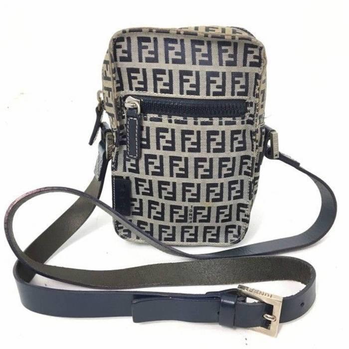 108823b7bfa5 Gucci Package Deal Fendi Zucca Print Bag Zip Size One