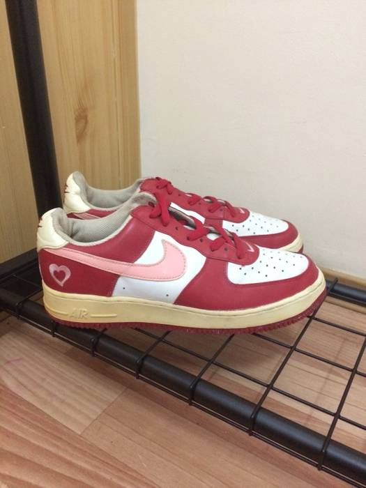 official photos 39396 cfd7a Nike Air Force 1 Valentine s Day Size US 10   EU 43