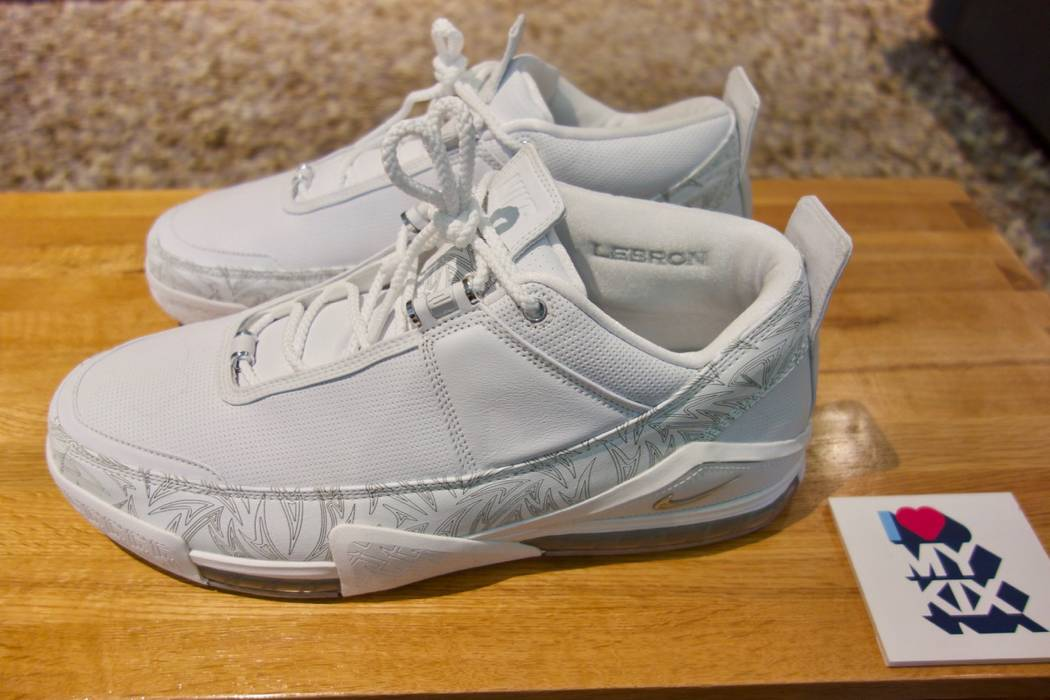 Nike Nike Lebron 2 Low Size 15 - Low-Top Sneakers for Sale - Grailed 9f7f66dfb