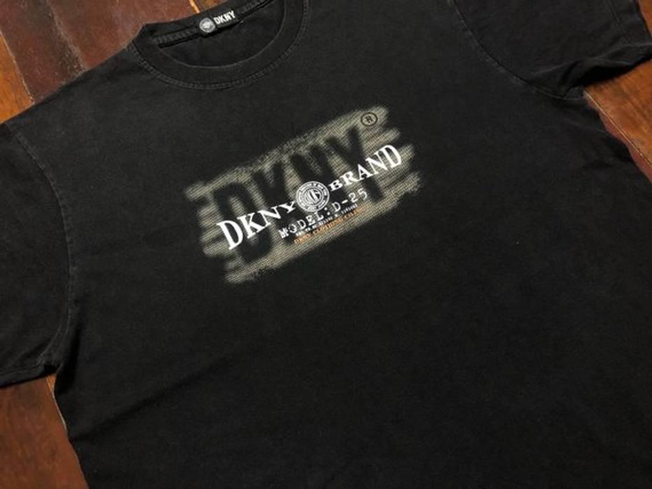 Vintage Vintage 90s Donna Karan New York DKNY T-Shirt size L Size l ... b4a8ed4c553