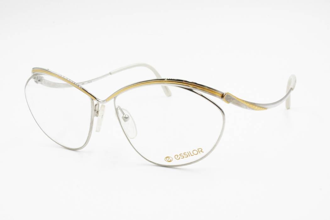 ac7199b933f Vintage ESSILOR France Vintage NOS eyeglass sunglasses frame