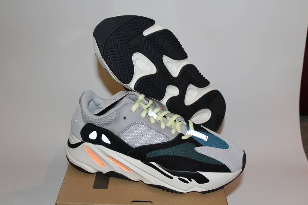 2c1f6b34c40 Adidas Kanye West. Adidas Kanye West Yeezy 700 Wave Runner. Size  US 7 ...