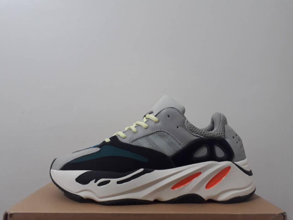 58e57a12975853 Adidas yeezy 700 boost wave runner B75571 US10.5