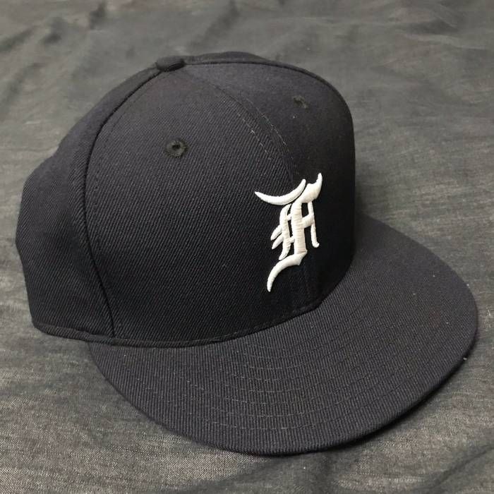1078c2c8d2b New Era Fitted Baseball Cap Size one size - Hats for Sale - Grailed