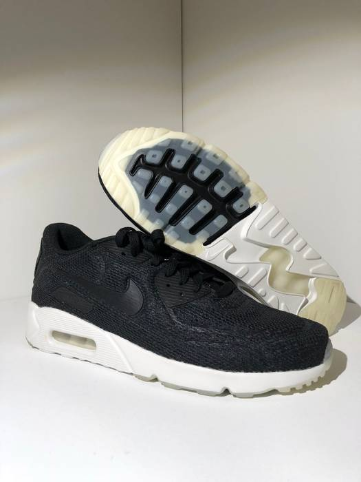 separation shoes 546f2 25886 Nike. Brand New Nike Air Max 90 Black. Size  US 9.5 ...