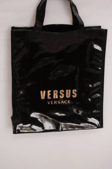 f09abbb34dfb Versace VERSUS VERSACE VINYL TOTE BAG Size one size - Bags   Luggage ...
