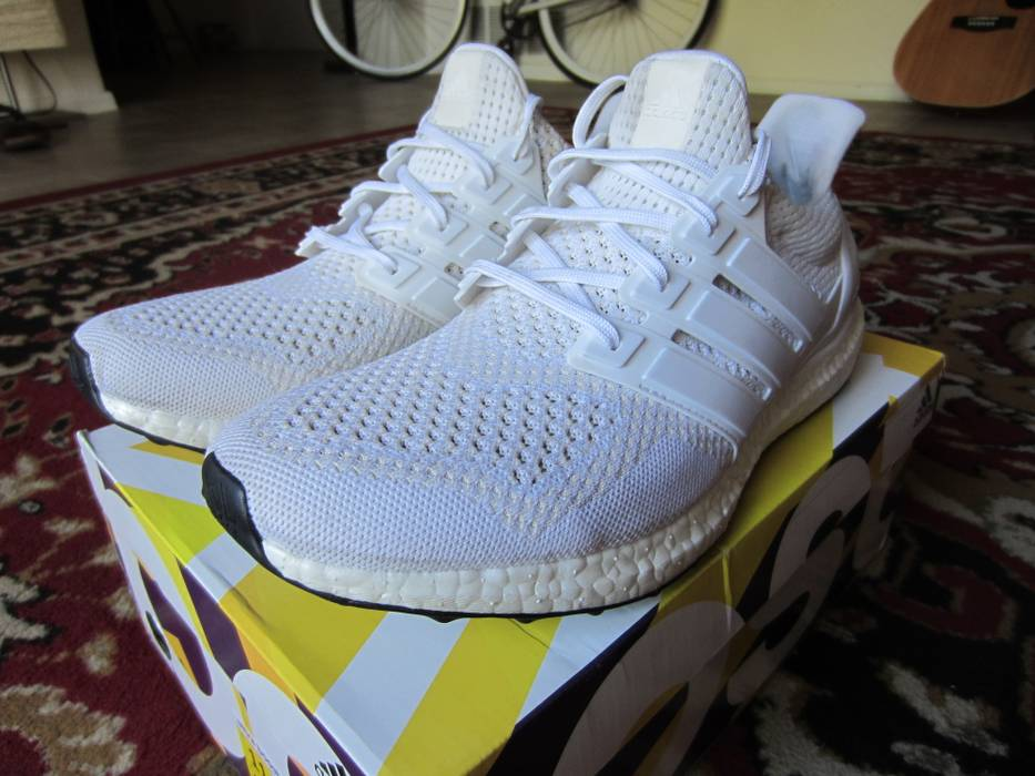 159f0d0047b6 Adidas OG White Ultra Boost 1.0 Size 11 Size 11 - Hi-Top Sneakers ...