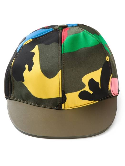 35a9a019ae8 Valentino Camouflage baseball Cap Size one size - Hats for Sale ...