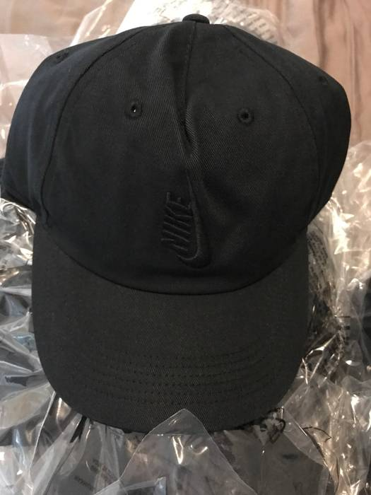 Nike NIKELAB ESSENTIALS HERITAGE 86 hat in black Size one size ... f952800b3f59