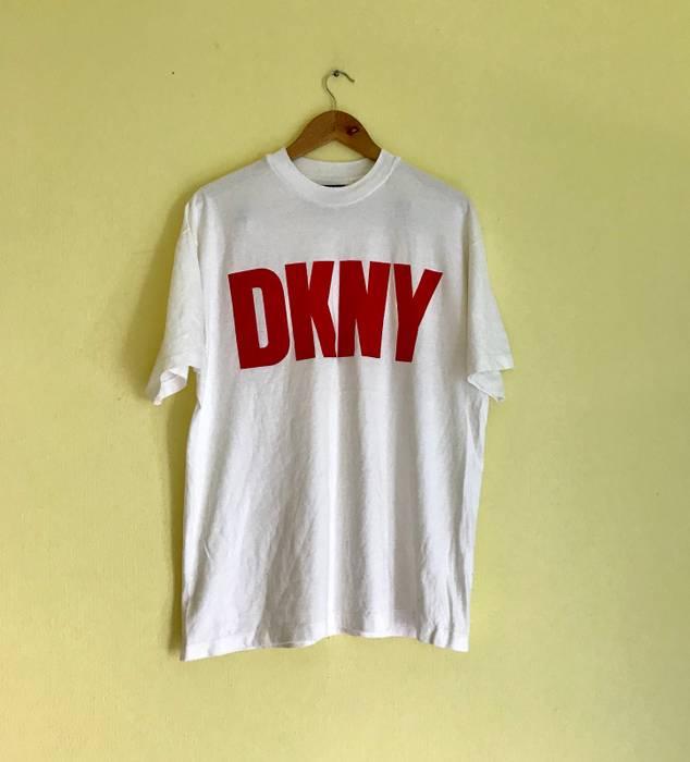 Vintage Vintage Donna Karan New York DKNY Red Big Logo Design T-shirt Size  US 800e48da23d