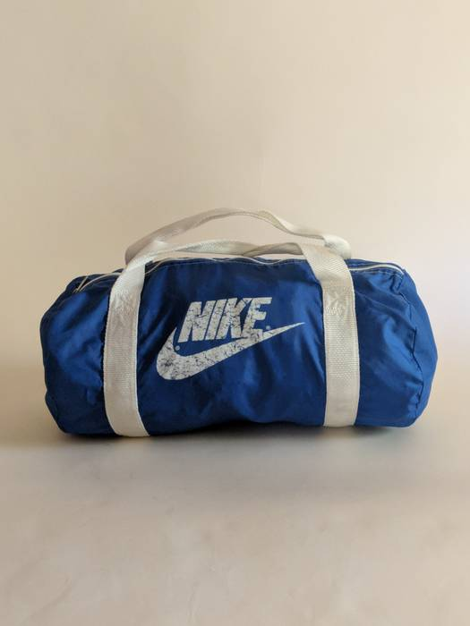 89274a4be1c8 Nike × Vintage. Vintage 1980s Nike Gym Duffel Bag    80s    Supreme    Tote     Carry On. Size  ONE SIZE