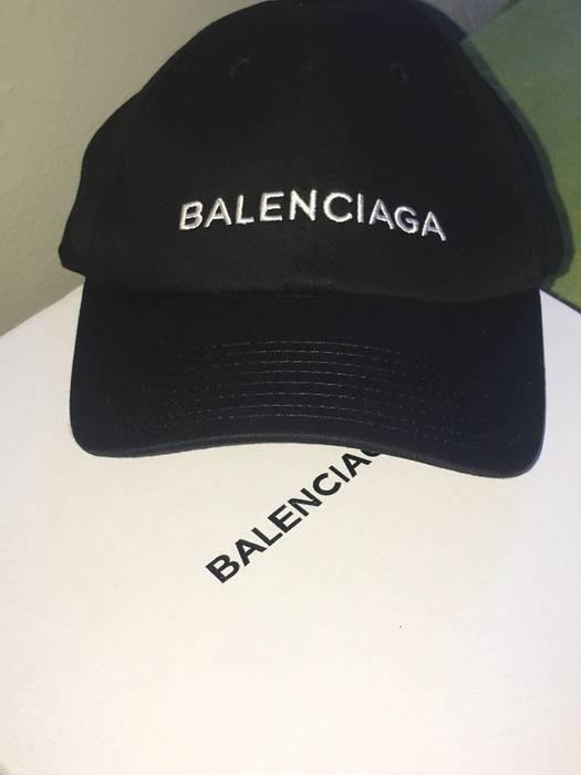 Balenciaga Balenciaga Hat Size one size - Hats for Sale - Grailed 845595fac40