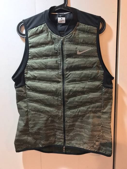 Nike Nike Aeroloft 800 3M Vest Size m - Vests for Sale - Grailed 0551ca42b