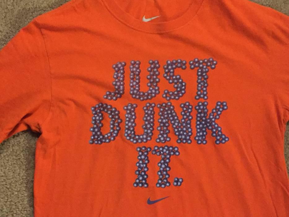 52d506590230 Nike Retro NIKE Basketball Graphic T-Shirt Just Dunk It Just Do It Vintage  Medium