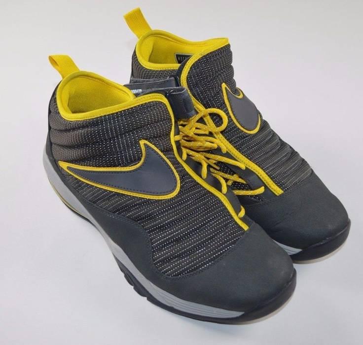 76748072094e Nike Rare Vintage NIKE Size 13 Ndestrukt Dennis Rodman Air Shake Basketball  Shoes Size US 13