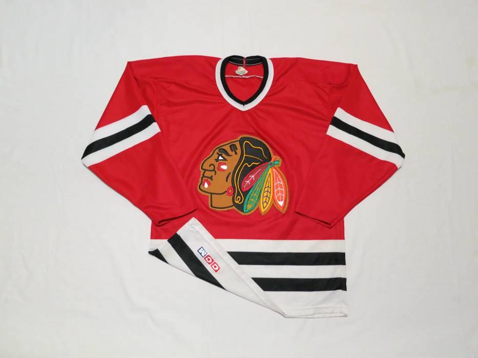 acc5c80f6 Vintage Vintage Chicago Blackhawks CCM hockey jersey Size US M   EU 48-50