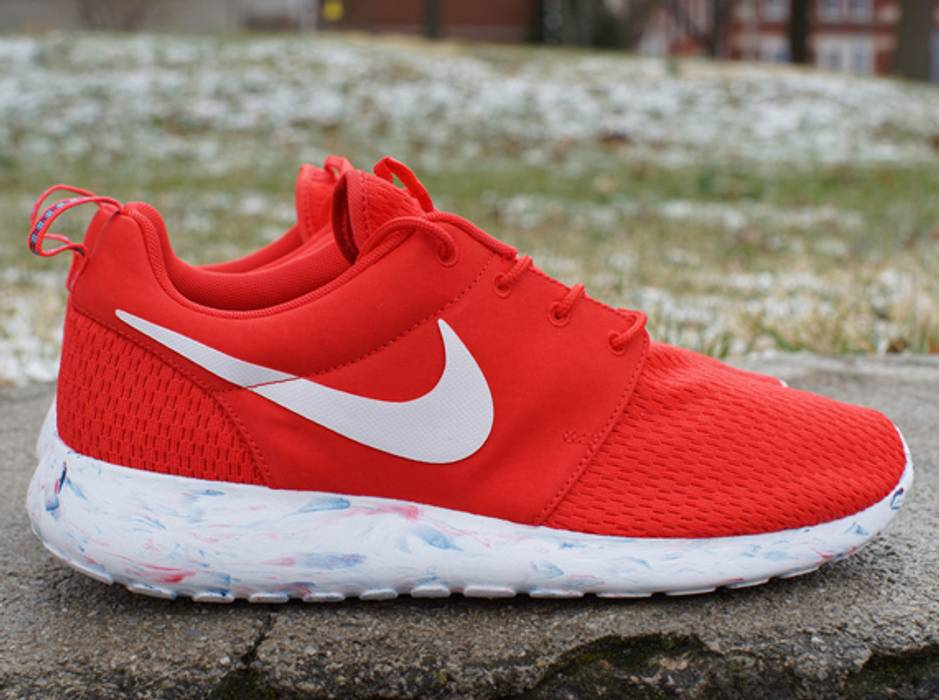 a79809f970f Nike Roshe Run Marble Red Size 10 - for Sale - Grailed