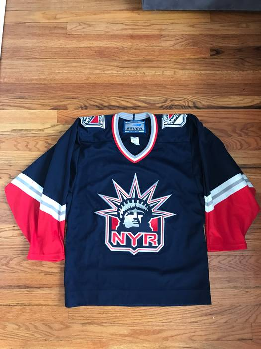 ... sweden vintage new york rangers lady liberty 90s vintage jersey size  small mens size us s 2c65dd89d