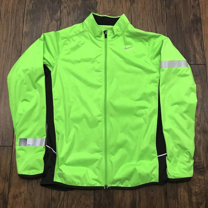 Nike NIKE ELEMENT Dri-Fit Electric Neon Green   Black Reflective Running  Workout Gym Jacket 10784f41c6ab