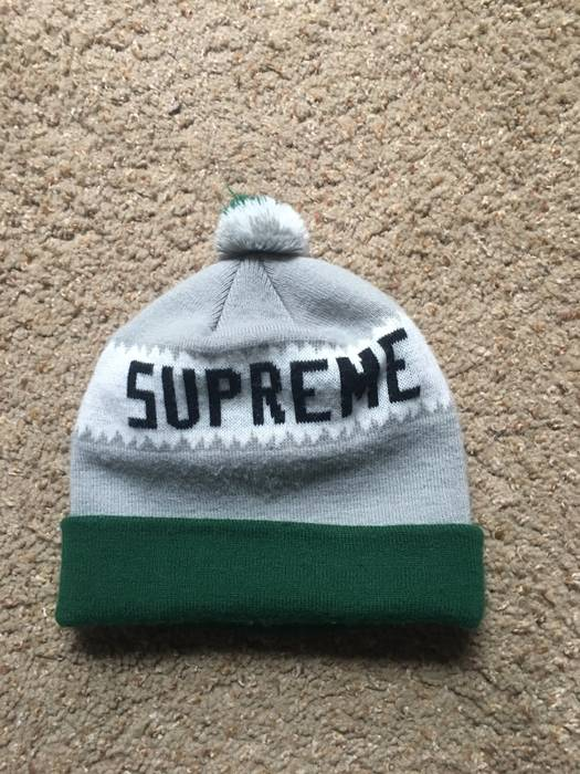 Supreme Pom Pom Beanie Size one size - Hats for Sale - Grailed 9f0cad70c13